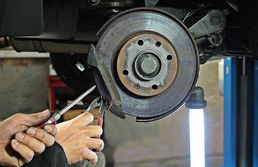 auto repair 1954636__340